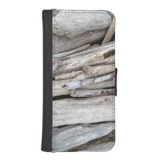 Pila con playas costera rústica del Driftwood Fundas Cartera Para Teléfono