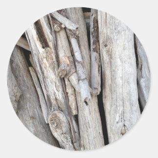Pila con playas rústica del Driftwood de la costa Pegatina Redonda