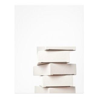 Pila de cajas tarjeta publicitaria