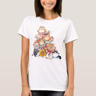 Pila de camiseta de los gatos