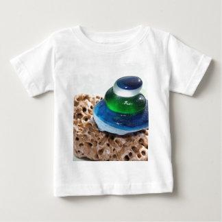 Pila de cristal del mar camisas