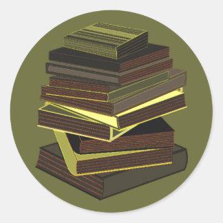 Pila de libros - verde pegatina redonda