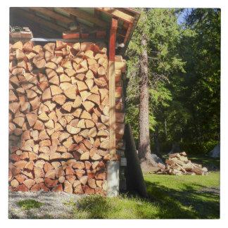 Pila de madera para los fuegos del Bon Azulejo Cuadrado Grande