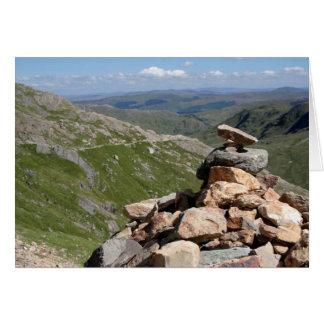 Pila de piedras en un paseo a Snowdon Felicitación