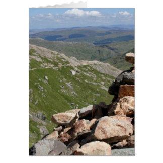 Pila de piedras en un paseo a Snowdon Felicitacion