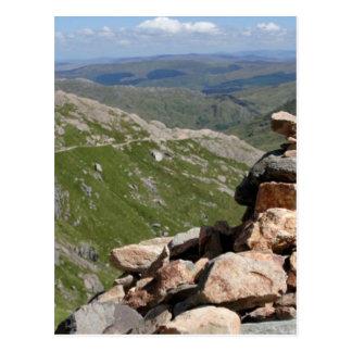 Pila de piedras en un paseo a Snowdon Postal