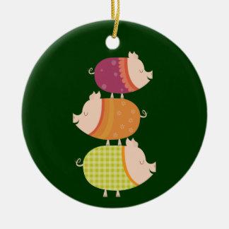 Pila del cerdo (3 piggies) adorno navideño redondo de cerámica