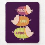 Pila del cerdo del amor de la paz tapetes de raton