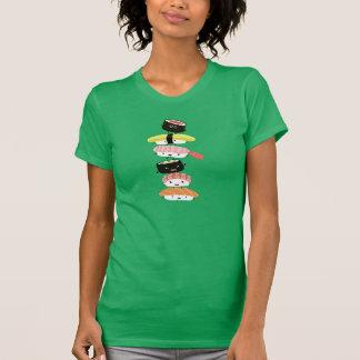 Pila del sushi - torre de la diversión de los camisas