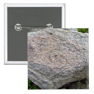 Pila natural aislada de la roca pin