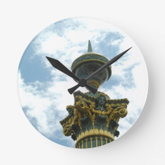 Pilar detallado del vintage de Europa Reloj Redondo Mediano