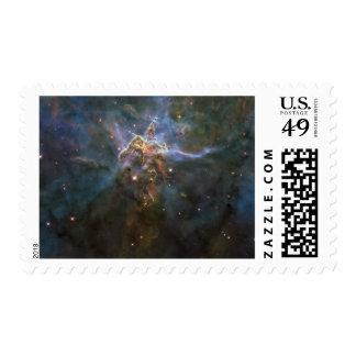 Pilares de Estrella-formación de la nebulosa de Sello Postal