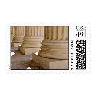 Pilares de la ley y de la justicia en el sello