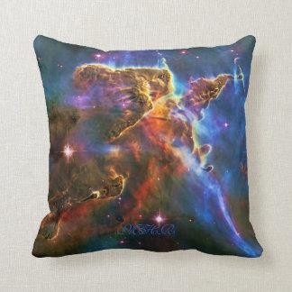 Pilares de la nebulosa de Carina del monograma de Cojín