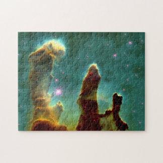 Pilares de la nebulosa de Eagle en Outerspace Rompecabezas Con Fotos