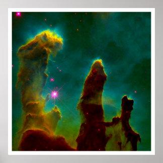 Pilares del gas en la nebulosa de Eagle (M16) Póster
