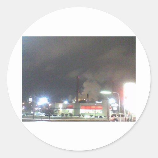 Pilas de humo por noche pegatina redonda