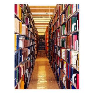 Pilas de la biblioteca tarjetas postales