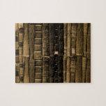 Pilas de rompecabezas de los libros