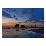 Pilas del mar en Bandon - puesta del sol en la cos Felicitacion