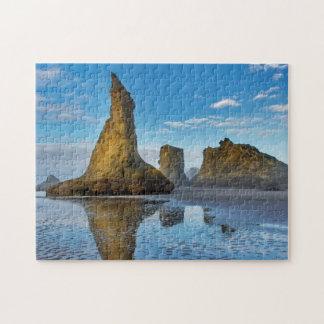 Pilas del mar en la playa de Bandon en Bandon, Puzzle
