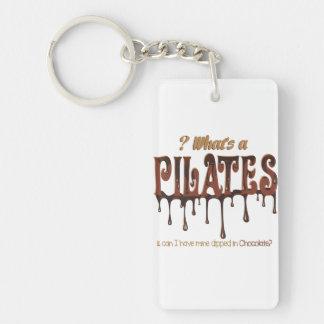 Pilates divertido sumergido en chocolate llavero rectangular acrílico a doble cara