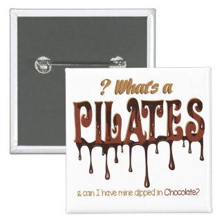Pilates divertido sumergido en chocolate pin