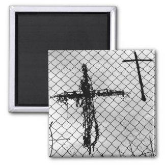 Pilgrim Crosses Magnet