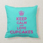 [Cupcake] keep calm and love cupcakes  Pillows
