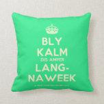 [Crown] bly kalm dis amper lang- naweek  Pillows