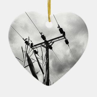 Pilón blanco y negro adorno de cerámica en forma de corazón