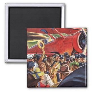 Piloto, mujer y aeroplano del vintage con los papa iman de frigorífico