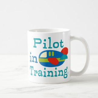 Piloto personalizado en el entrenamiento taza de café