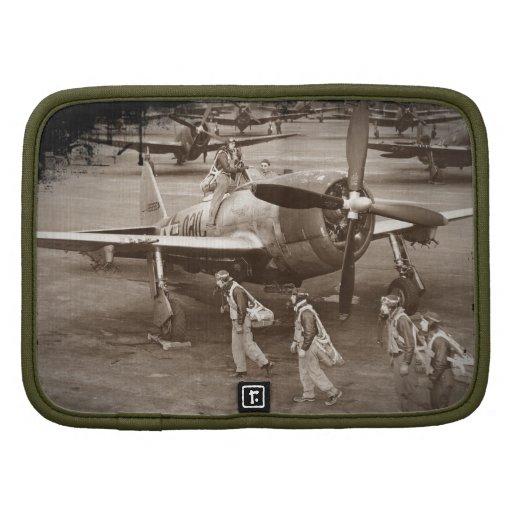 Pilotos de caza que entrenan en los rayos P-47 Organizador