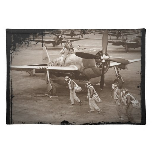 Pilotos de caza que entrenan en los rayos P-47 Mantel