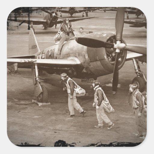 Pilotos de caza que entrenan en los rayos P-47 Calcomanías Cuadradas