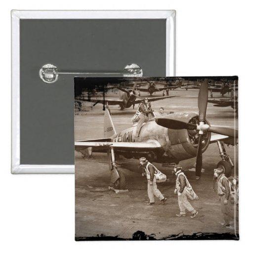 Pilotos de caza que entrenan en los rayos P-47 Pins