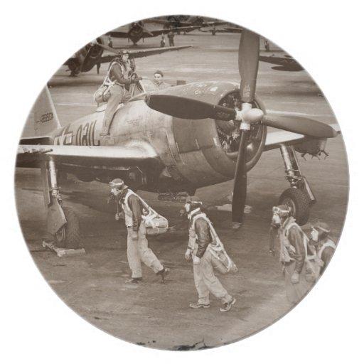 Pilotos de caza que entrenan en los rayos P-47 Platos