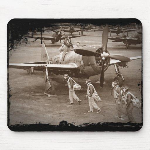 Pilotos de caza que entrenan en los rayos P-47 Tapete De Ratón