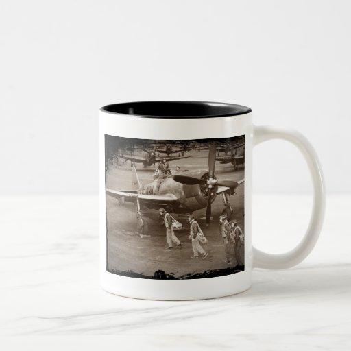 Pilotos de caza que entrenan en los rayos P-47 Tazas De Café