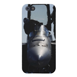 Pilots conducts a pre-flight inspection cover for iPhone SE/5/5s