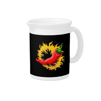 Pimienta con la llama jarras para bebida