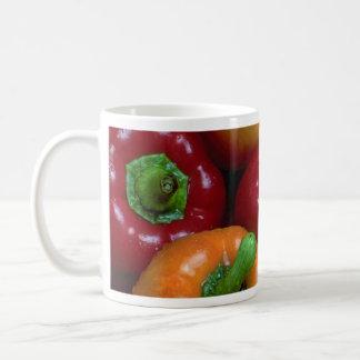 Pimientas coloridas, primer tazas