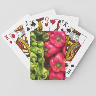 Pimientas verdes y rojas cartas de juego