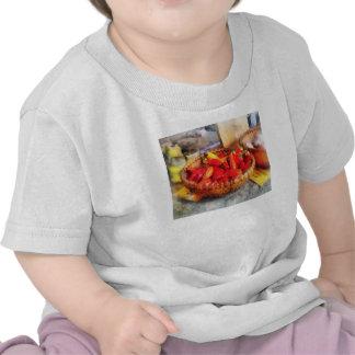 Pimientos picantes en mercado de los granjeros camiseta