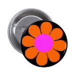 Pin anaranjado del flower power de los años 60