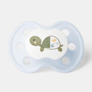 Pin azul del pañal del pacificador de la tortuga d chupetes para bebés