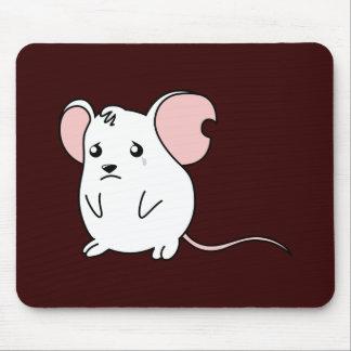 Pin blanco gritador triste del botón de la alfombrillas de ratones