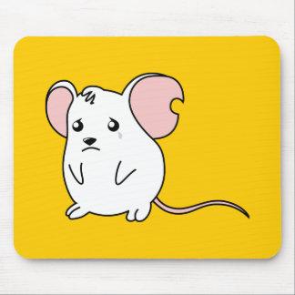 Pin blanco gritador triste del botón de la alfombrillas de ratón