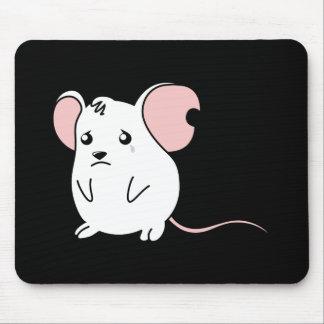 Pin blanco gritador triste del botón de la tapetes de ratón